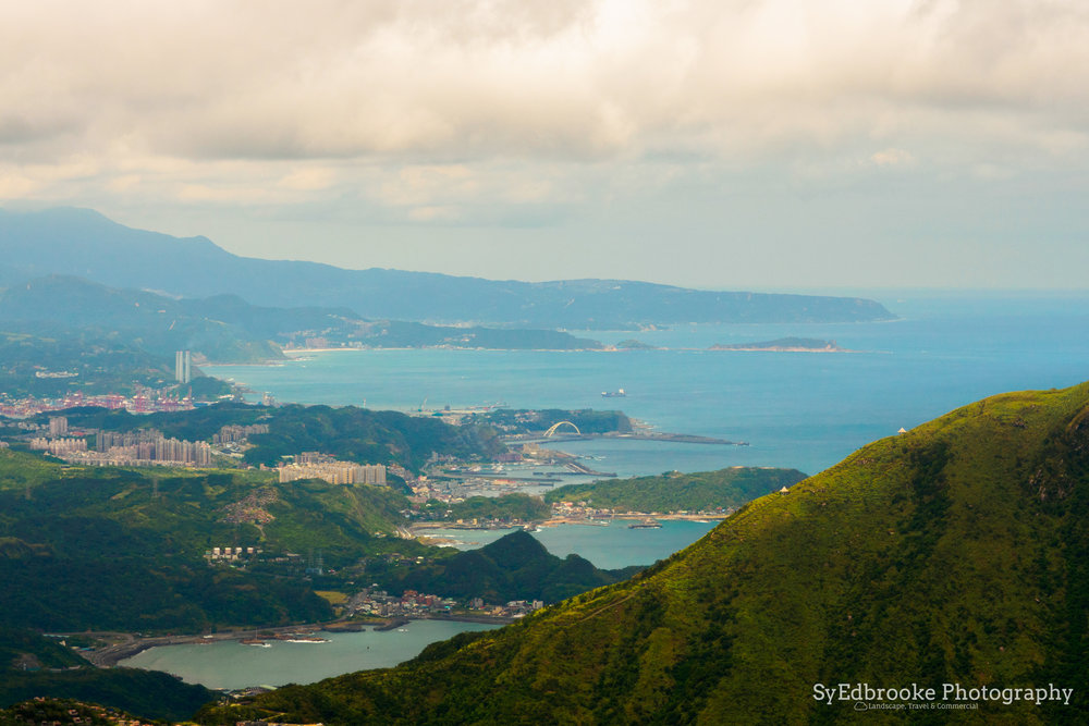 Mt. Keelung with the port and Keelung city in the background. f11, ISO 200, 1/80,100mm