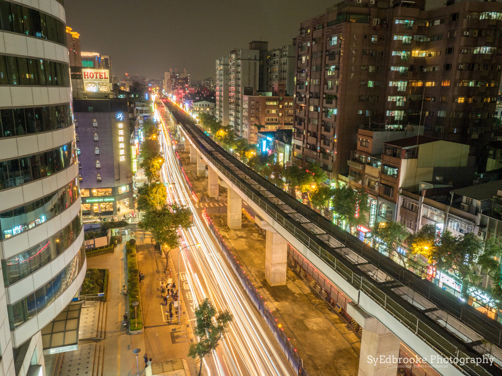 Xinpu nighttime traffic. f20, ISO 200, 15, 14mm
