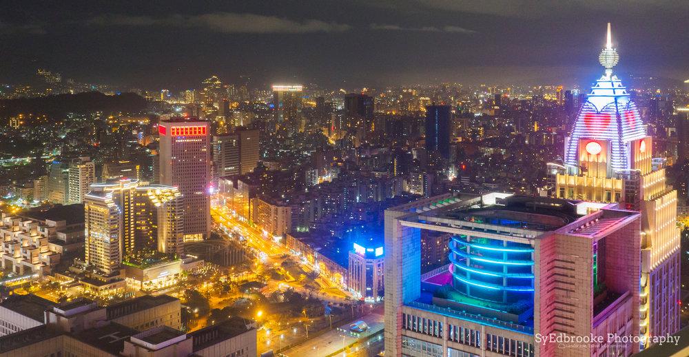 Taipei City (HDR). f5. ISO 2500, 1/4, 35mm
