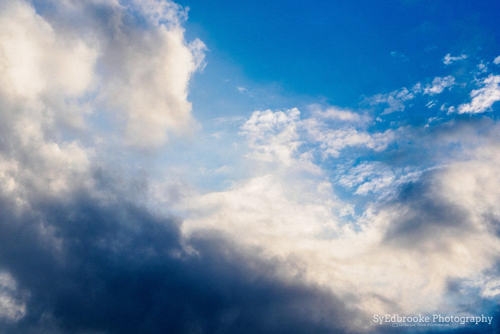 Dahu park sky. f6.3, ISO 200, 1/1250, 45mm