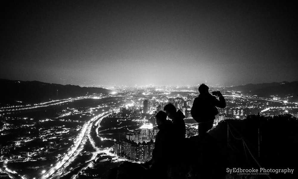 Silhouettes on the summit. f1.8, ISO 1600, 1/6, 35mm