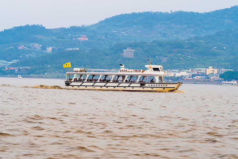 the ferry across the river to Bali. f4, ISO 200, 1/125, 150mm