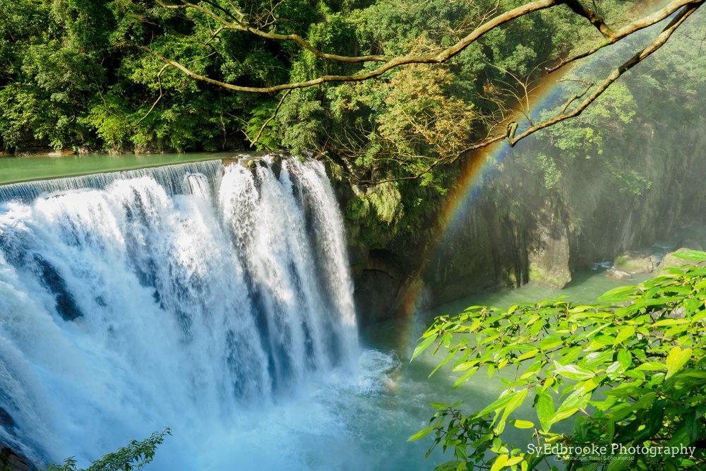 waterfall rainbow. 24mm, ISO 64, f7.1, 1/50