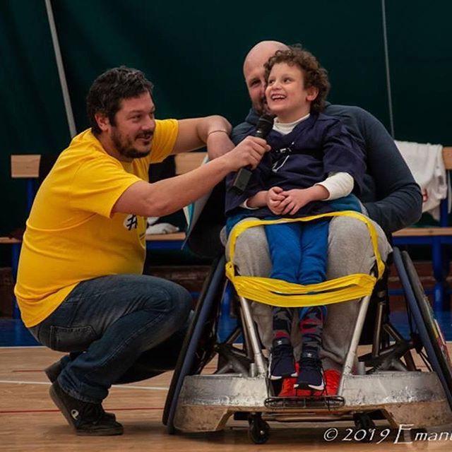 Qualche altra bella foto del #6sedie di qualche settimana fa :) #bambinovolante #floatingboy #wheelchairrugby @daniele_fasciolo @danilodafiumicino @rubiochef . 🇬🇧 More pics from the #6sedie event a few weeks ago