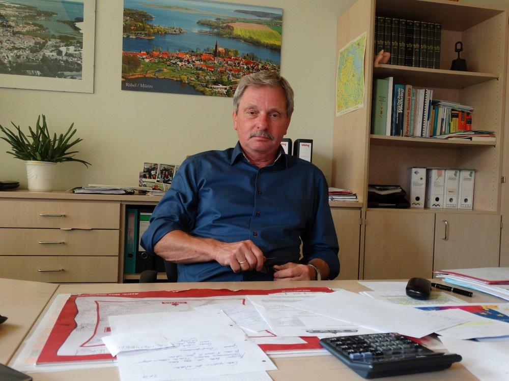Herr Hans-Dieter Richter - SchulleiterTel.: 039931/52202E-mail:info@schulcampus-roebel.de