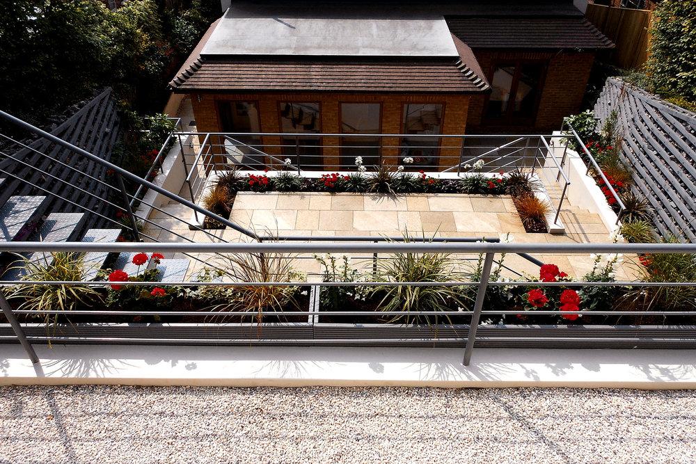 elevated-garden5.jpg