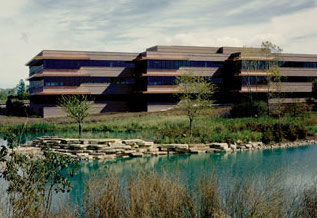 400 WOODLAND PRIME - Located in a master planned business park complimented by ponds and waterfalls in Menomonee Falls, Wisconsin, this horizontally designed 3-story 100,000 square foot building features a brick and glass exterior with copper overhangs and screens.