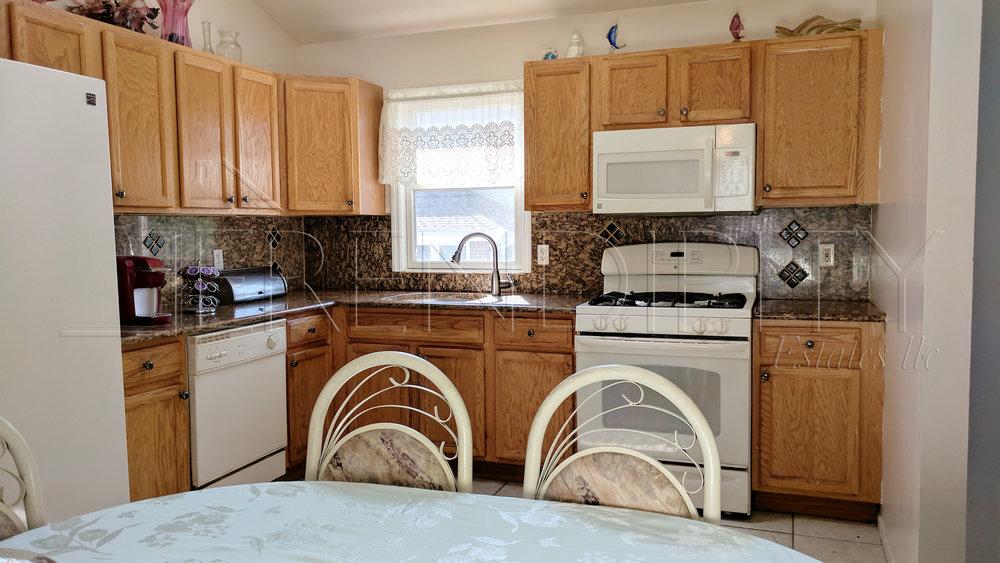 LI Kitchen.jpg