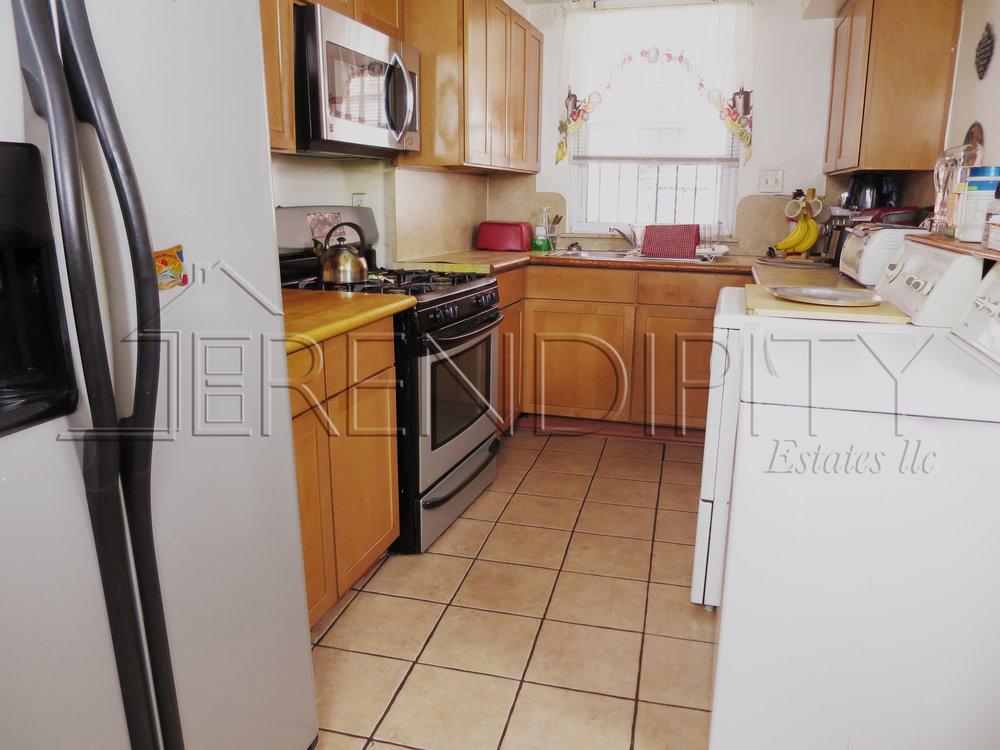 855 Crown Kitchen.jpg