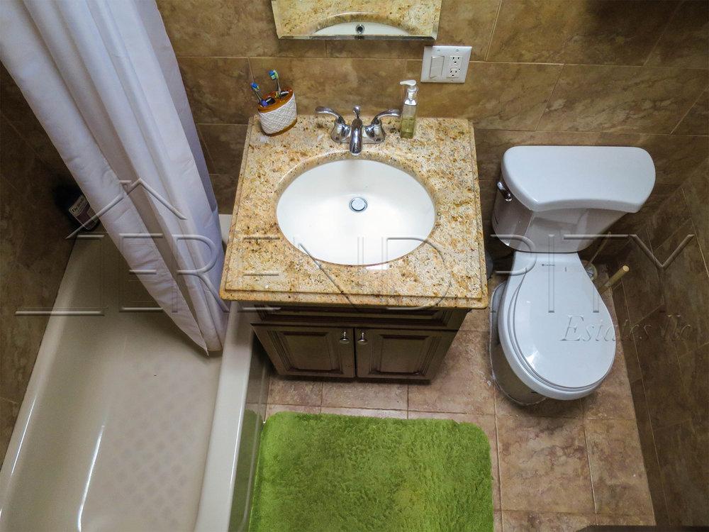 3 fl Bathroom FWME.jpg