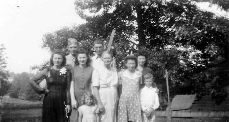Rubley, Adolph Line Photo_Group_Nov 1943.jpg