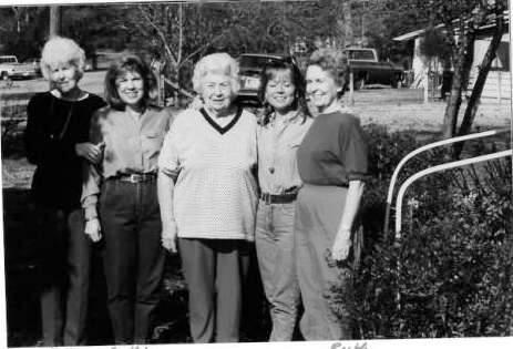 Mae's Family 1990  Betty, Cecilia, Mae, Ellen, Ruth