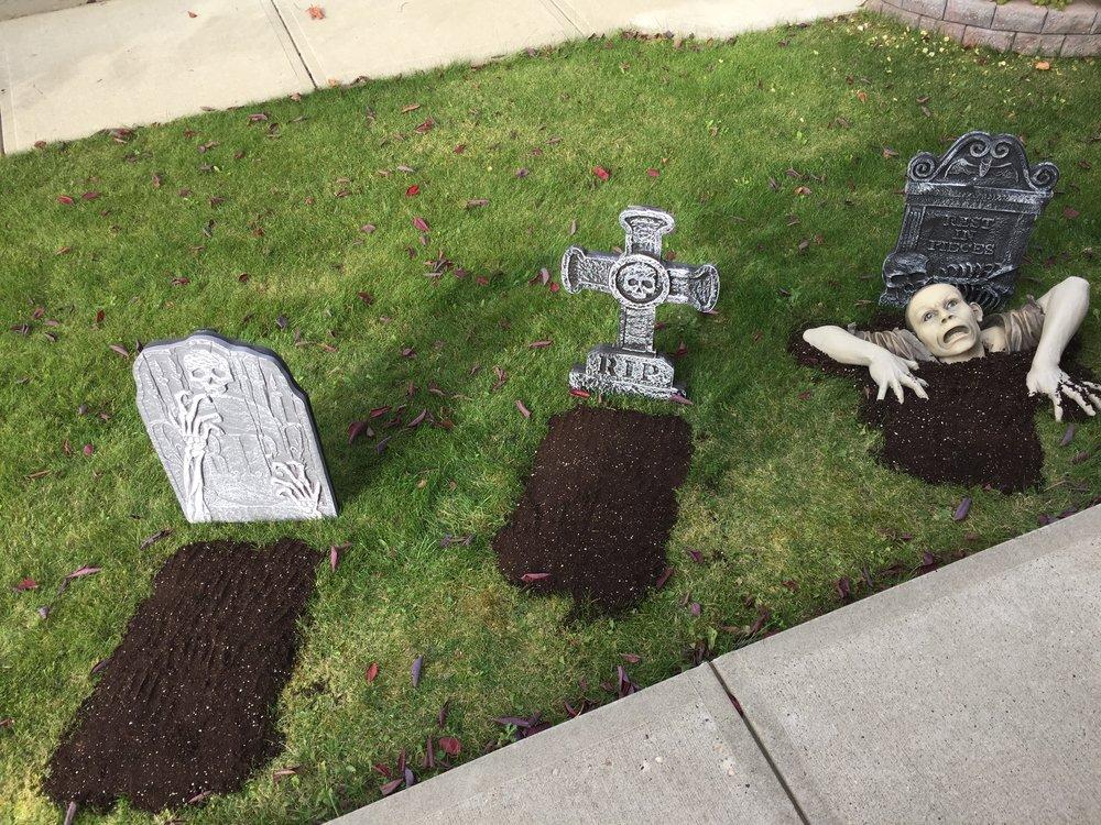 Halloween Tombstones and Grave Popper Zombie.JPG