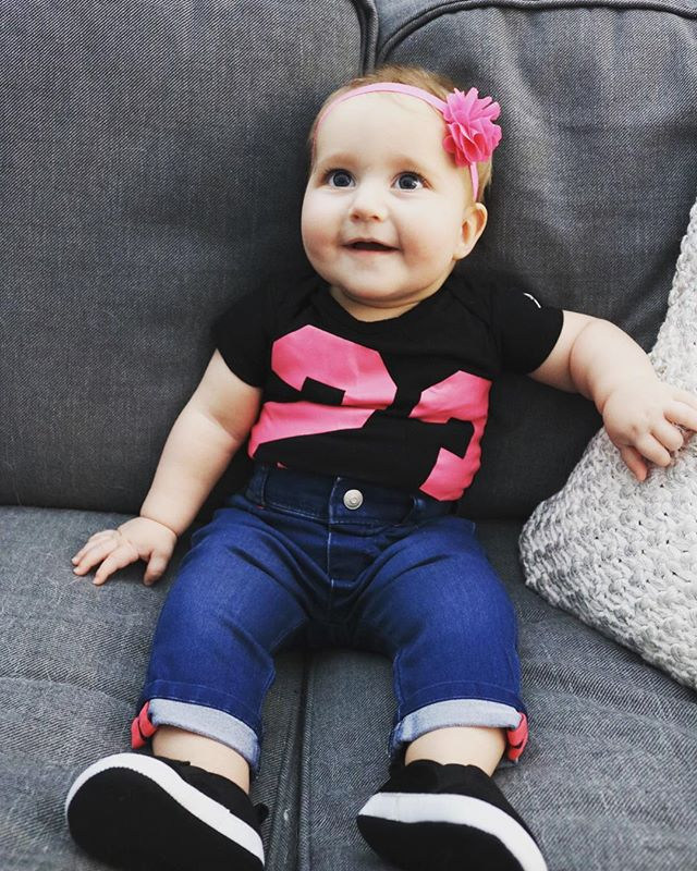 When daddy gets his girl ready #jordanoutfit #baby #babygirl #babybird #daddysgirl #babyjordan #number23 #babystyle #yeg #yegbaby #cute #cutiepie #thosecheeks #parent #parenting #parenthood #blog #blogger #parentblogger #babymodel #pinkeverything #almost8monthsold 😭