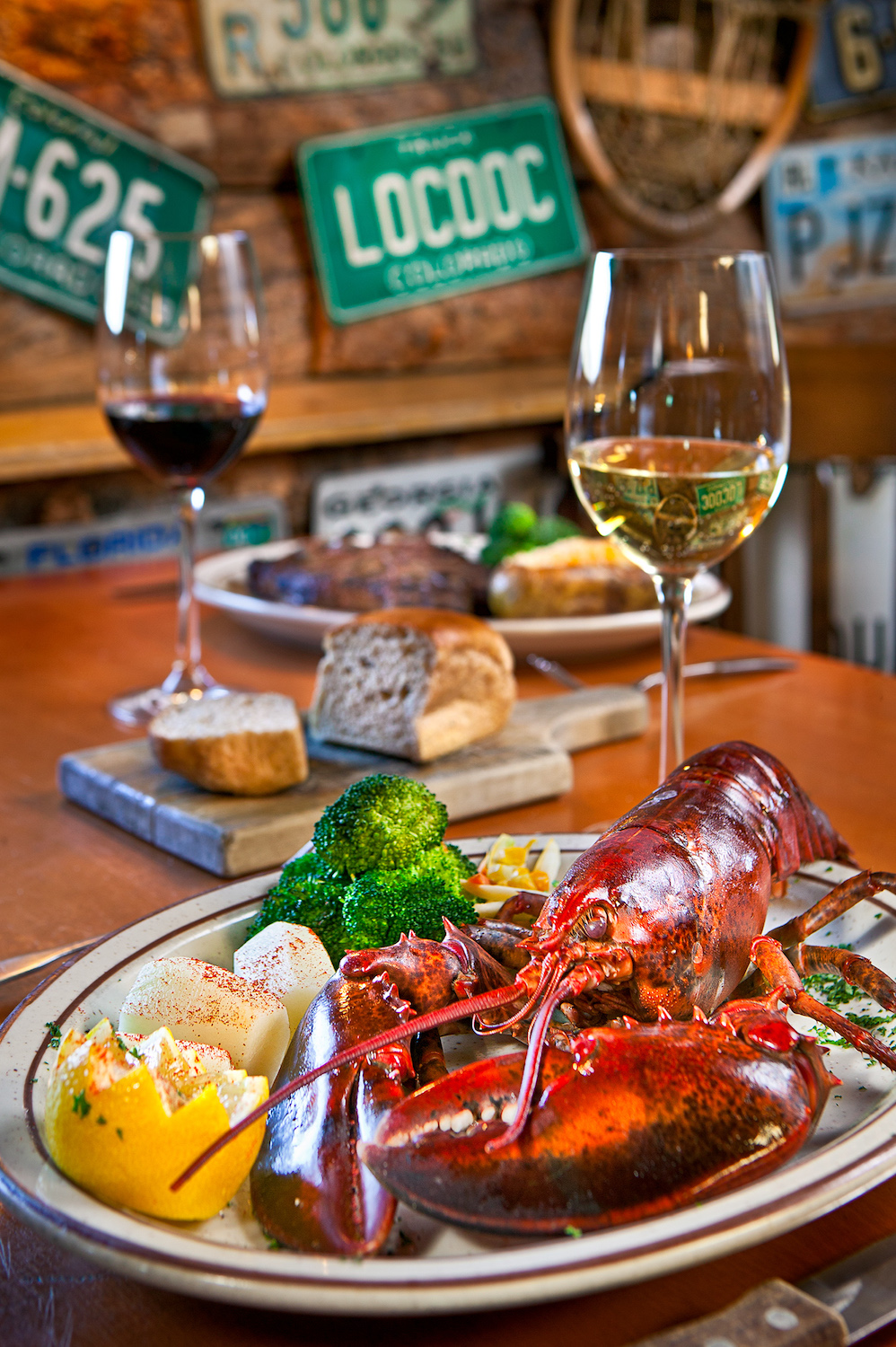 steak-lobster-white-red-wine.jpg