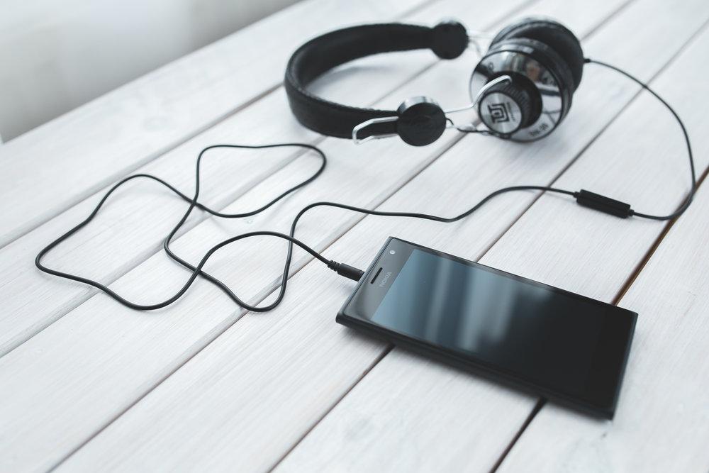 smartphone-technology-music-headphones.jpg