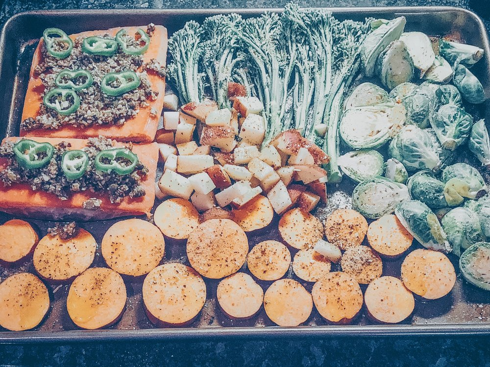 Garlicky Salmon Tray Meal + Tangy Pumpkin Seed Sauce