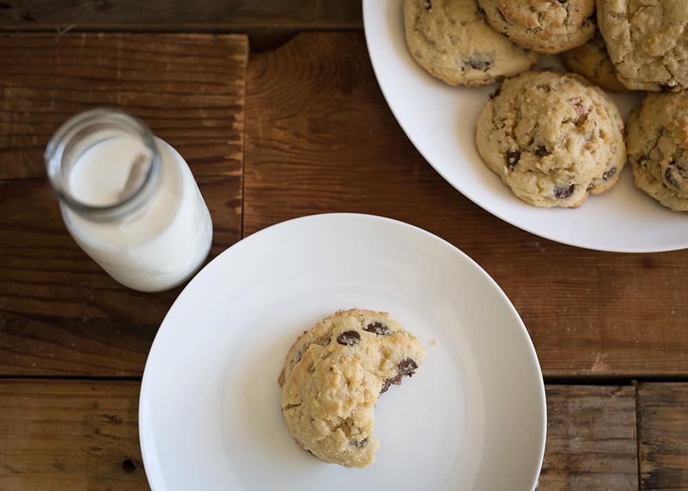 pecan-chocolate-chip-cookies.jpg