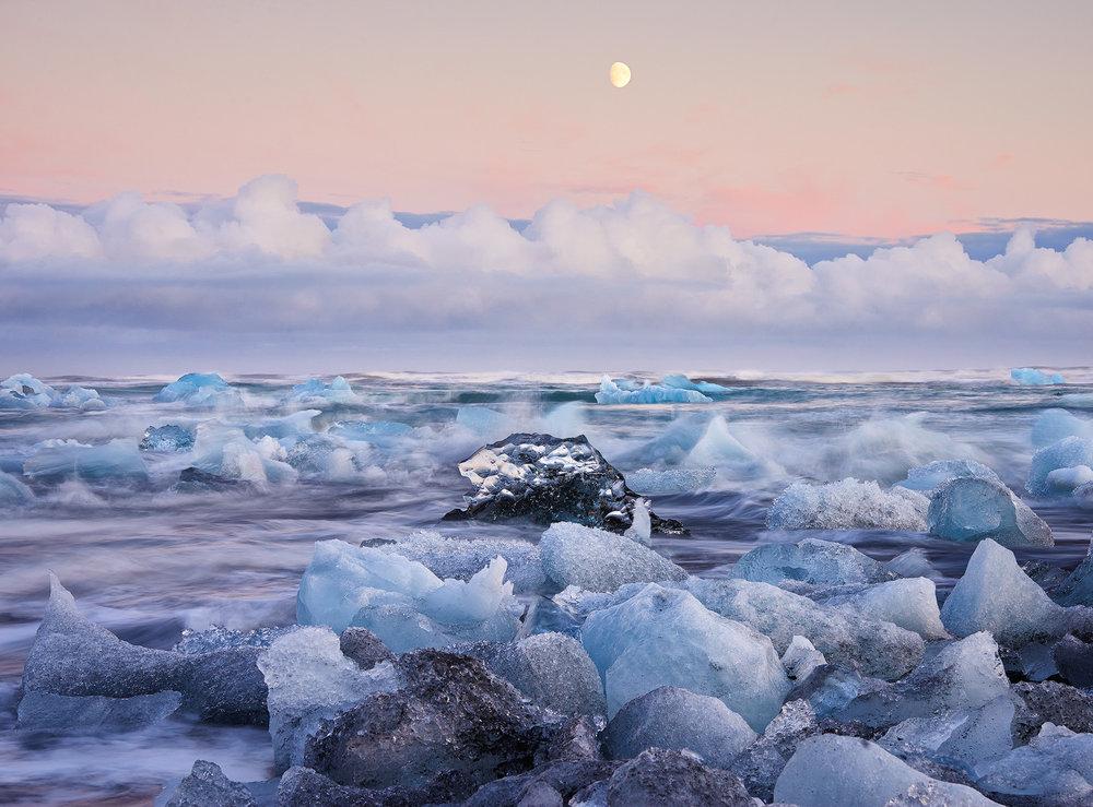 Moonrise over Jökulsárlon, Iceland