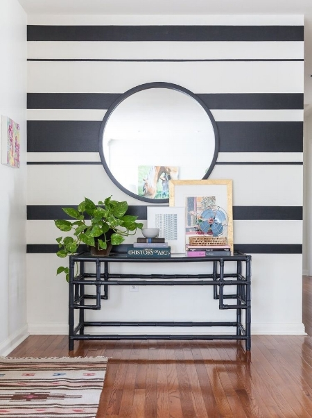 Horizontal Stripes in Small Spaces