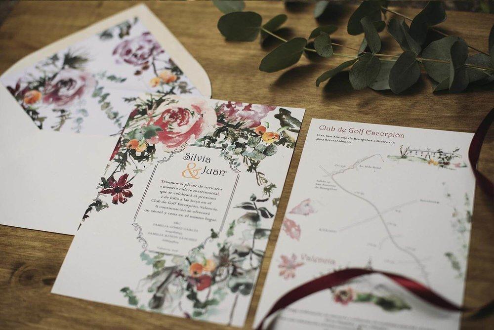 Invitación con ilustración floral en acuarela
