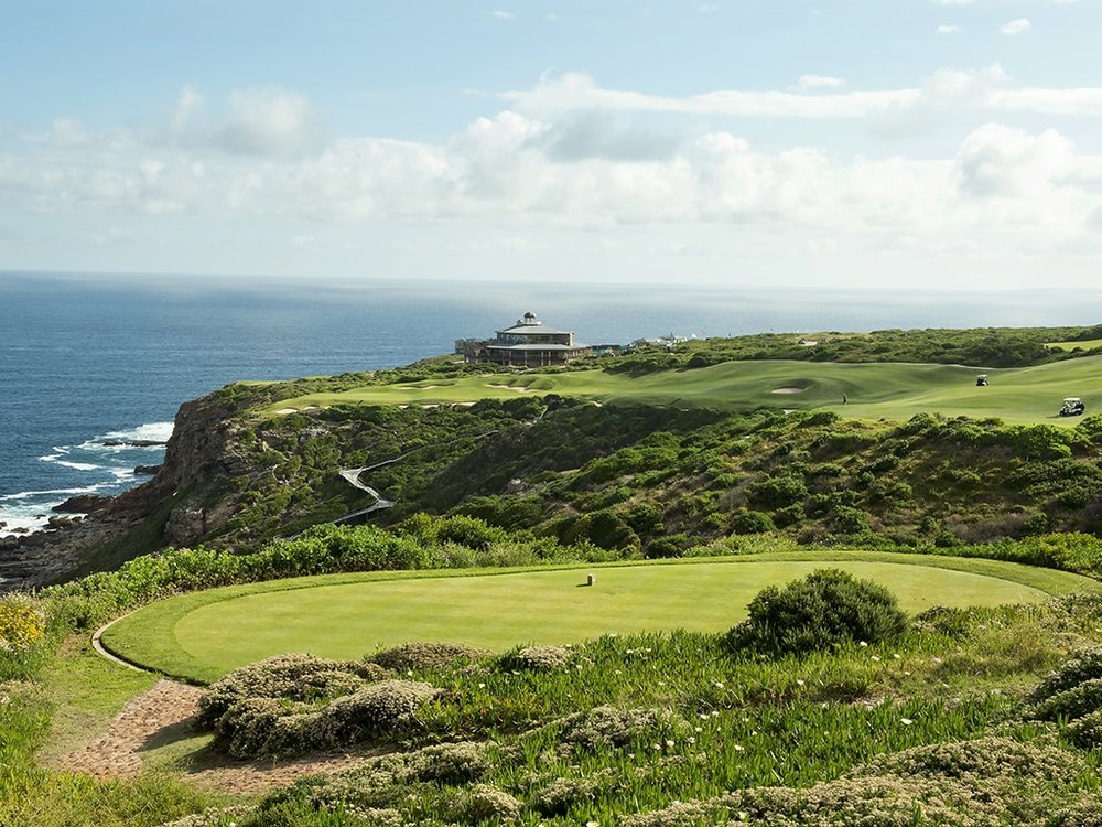 Golf & Nature go hand in hand. Visit the award winning golf course.