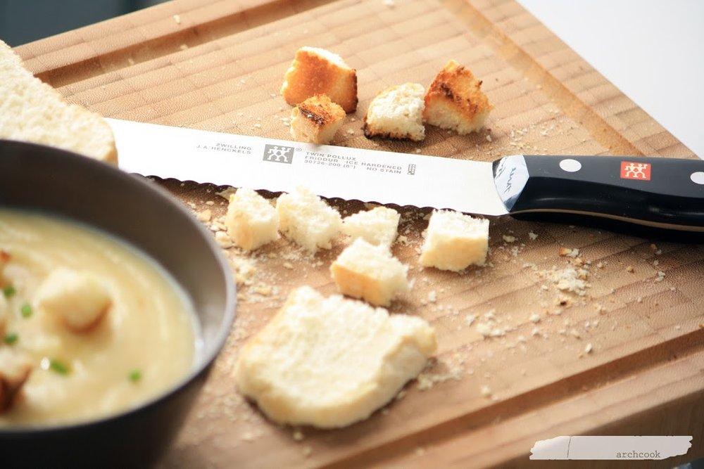 coltello-pane-zwilling.jpg