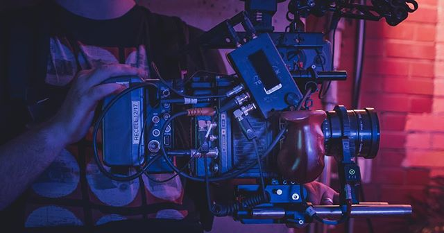 Rig Rig #bts #setlife #arri #arrialexa #arrialexamini #kowa #kowaanamorphic #directorofphotography #director #producer #commercial #production #productiondesign #shootorigami #woodencamera
