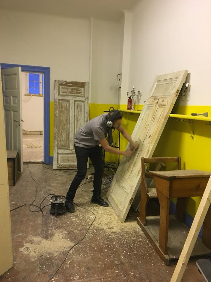 fredrik removing paint .jpg