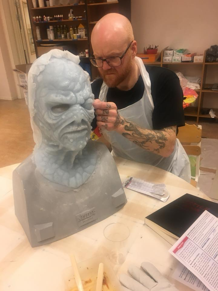 Kent Klint Engman - one of our students cleaning up the silicone mask before it is time for airbrushing! (This workshop was held in another location than our Helsinglight)