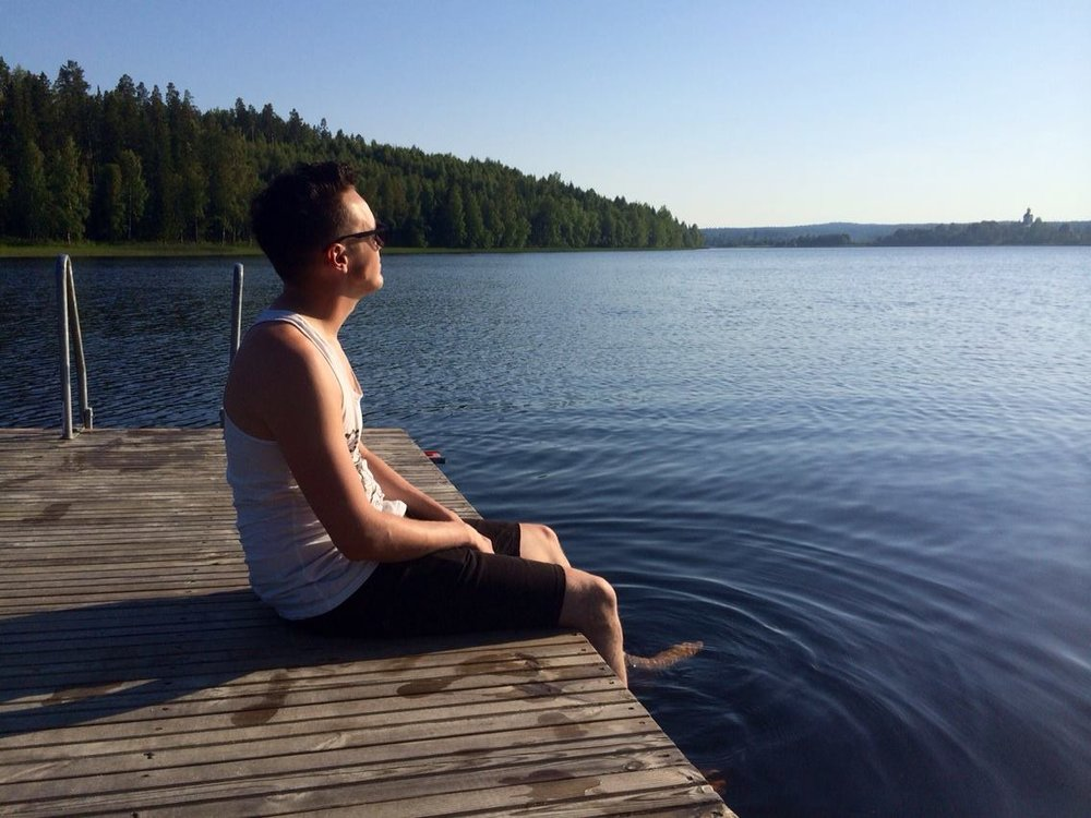Fredrik enjoying a late summer evening at Lake Jättendal, 5 minutes from where Petra and Fredrik lives.