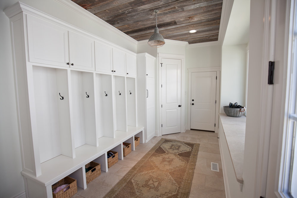 20 S Ewing Mudroom.jpg
