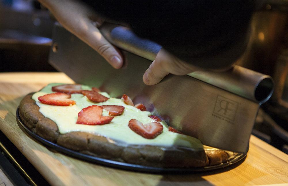 Robin & Field Pizza Blade