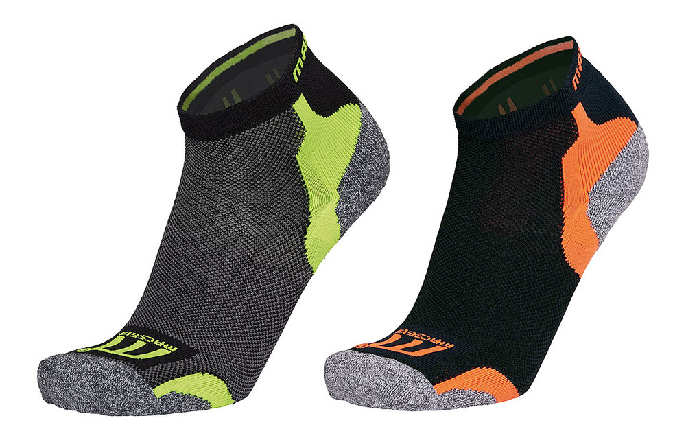 MACSEIS POWERDRY TECHNICAL SOCKS MACBLACK/MACGREEN FLUORESCENT AND MACBLUE/MACORANGE FLUORESCENT
