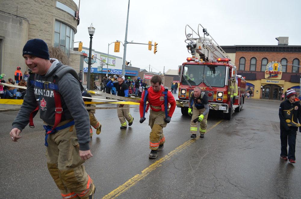 2015 - Parade - Fire Truck Pull.JPG