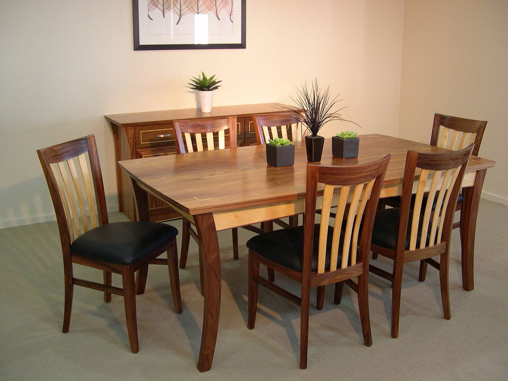 Norwood Dining Setting