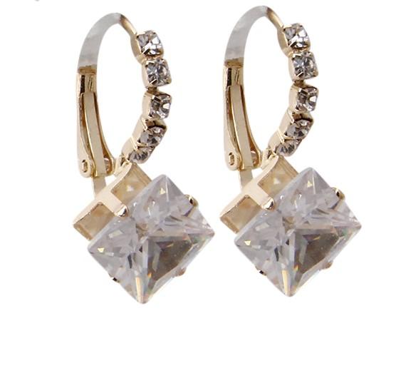 Gold  Silver Rhinestone Lever Back EarringsTTEDZ6185CLEMT PinkTOWN.jpg