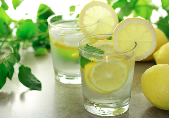 Amazing-Effect-of-Drinking-Lemon-Water-on-Empty-Stomach.jpg