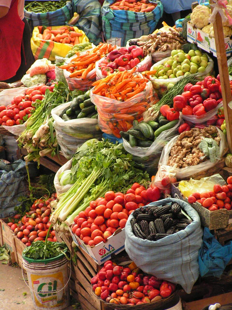 fresh_vegetable_market-158163255.jpg