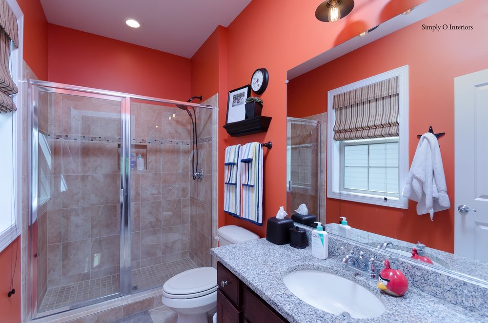 Boy's Oriole Bathroom