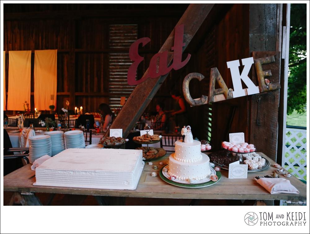 vintage signs wedding cake
