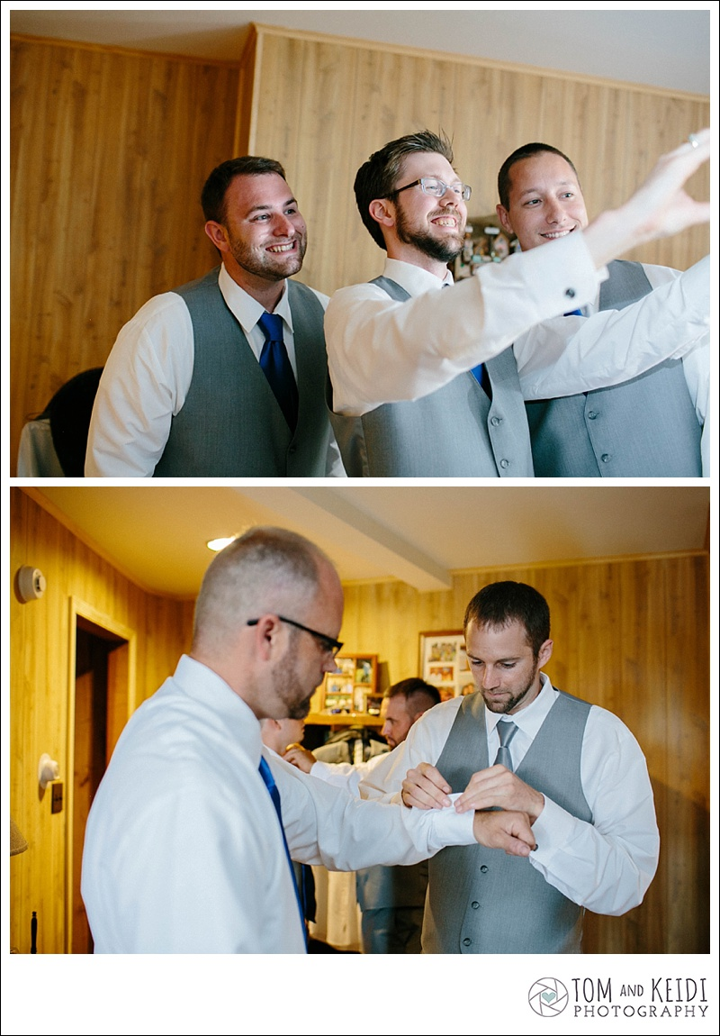 wedding selfies groomsmen
