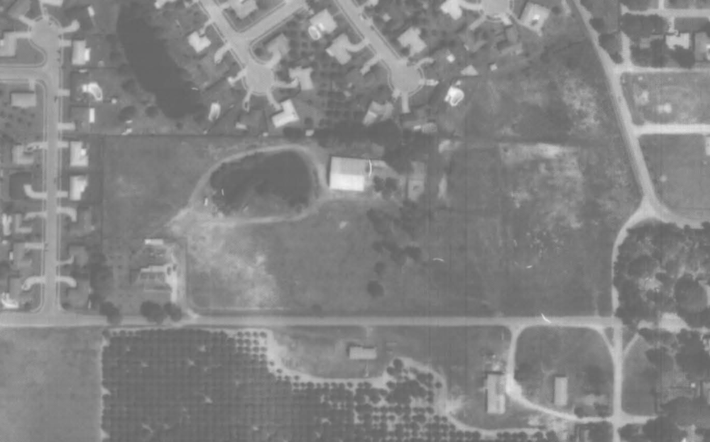 Aerial photo of the Reiter family homestead and what is now Reiter Park (on the right), as seen in 1980.
