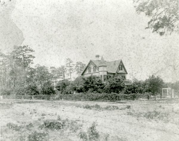 Bradlee-Mac in its original form in Altamonte Springs, around 1900.  From Florida State Archives