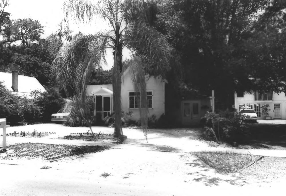 Dunbar's Garage on Warren, taken in 1990.