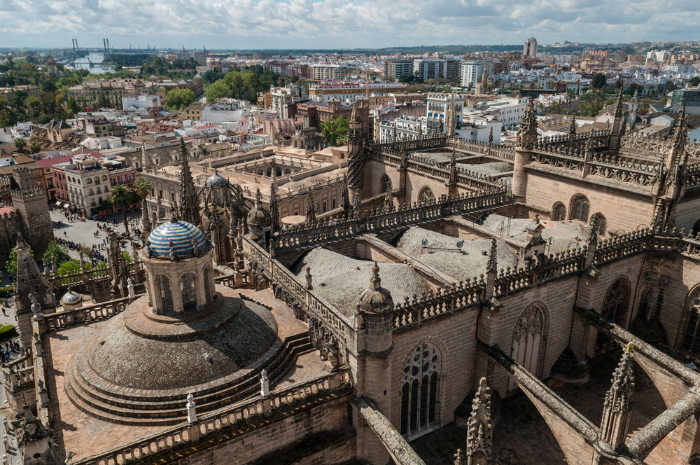 View_on_Seville_Cathedral_and_Seville_city_from_Giralda_(6931810990).jpg