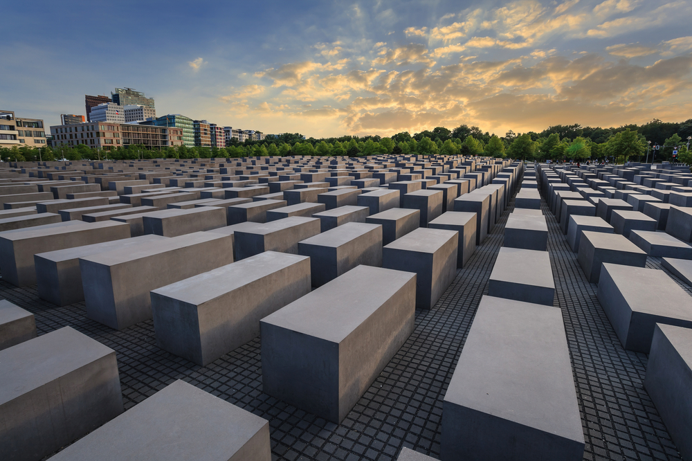 memorial to the jews.jpg