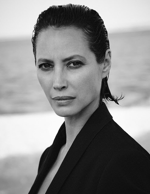 Christy+Turlington+by+Chris+Colls+for+Vogue+Poland+September+2018+(1).jpg
