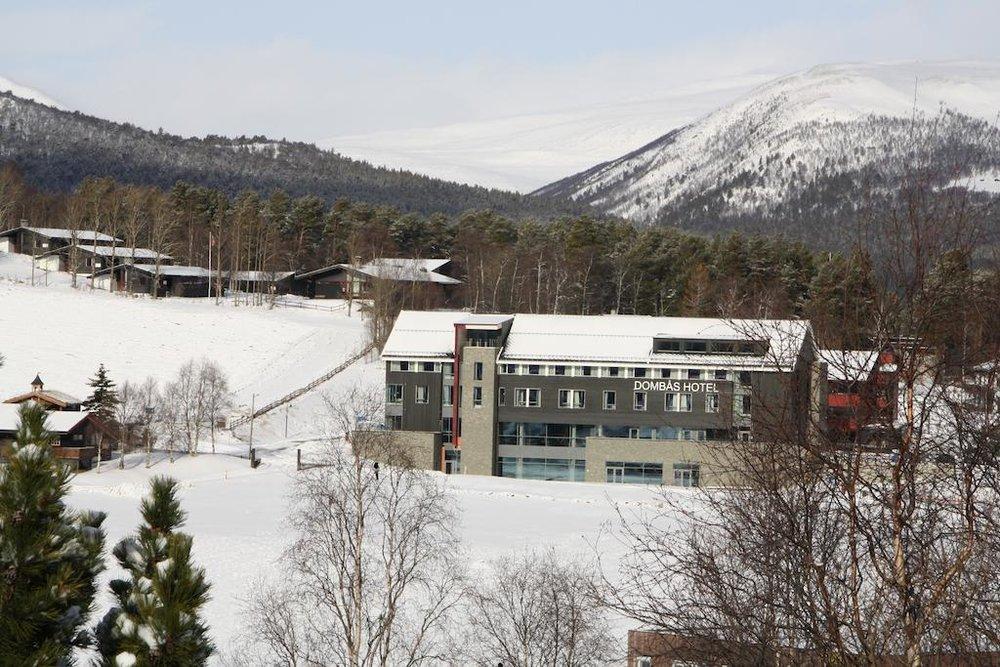 Dombås hotell - Dombås hotell ligger 3 km fra Dombås skiarena og tilbyr overnatting i motell- og hotellrom.