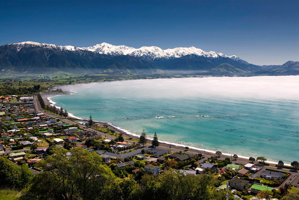 Kaikoura-township,-New-Zealand-in-morning-sea-fog-178765987_3872x2592.jpg